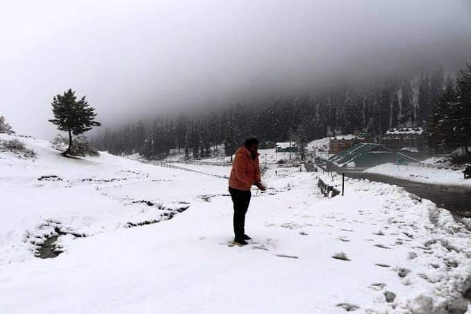 Gulmarg including the Affarwat peaks have witnessed a mild snowfall on Thursday - Countryside Kashmir