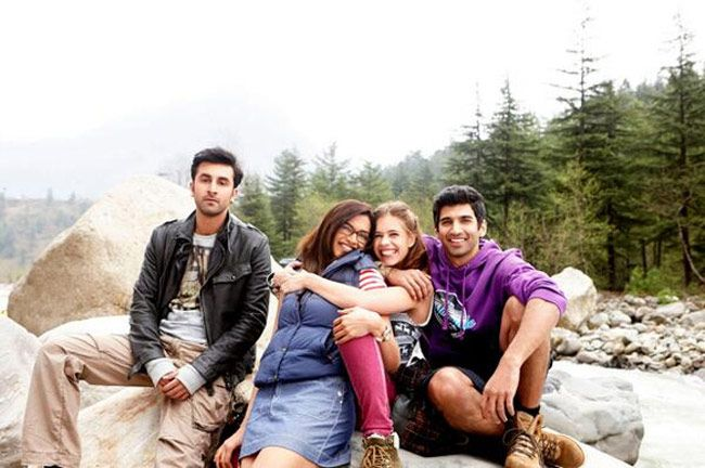 Bollywood crews will make major come back to Kashmir valley: Celebs in Gulmarg - Countryside Kashmir